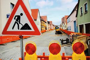 """<div class=""""bildtext"""">Sanierung einer innerstädtischen Straße in Bad Windsheim</div>"""