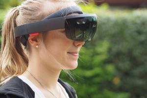 """<div class=""""bildtext"""">Bei der Microsoft-""""Hololens"""" handelt es sich um eine AR-Brille.</div>"""