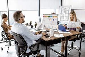 """<div class=""""bildtext"""">Für den Umgang mit der Digitalisierung gilt: Mit Bedacht ein planvolles Vorgehen ausarbeiten.</div>"""