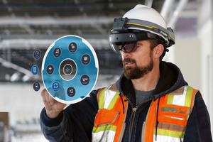 """<div class=""""bildtext"""">Der """"XR1"""" mit HoloLens2"""" – Industriestandard-Helm für den Einsatz in sicherheitsregulierten&nbsp;Umgebungen</div>"""