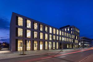 """<div class=""""bildtext"""">Das Bürogebäude der Hinterschwepfinger Projekt GmbH im Herzen des oberbayerischen Burghausen.</div>"""